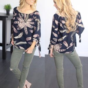 💥HP💥 Blush 3/4-tie-sleeve boho feather blouse